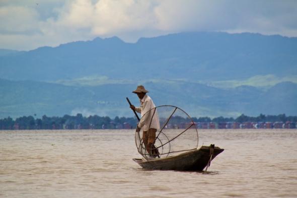 inle lake shan fishermen